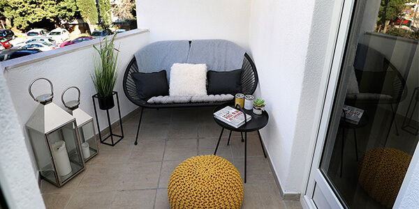 Be Resourceful with Small balcony decorating ideas