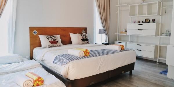 minimalist home decor look